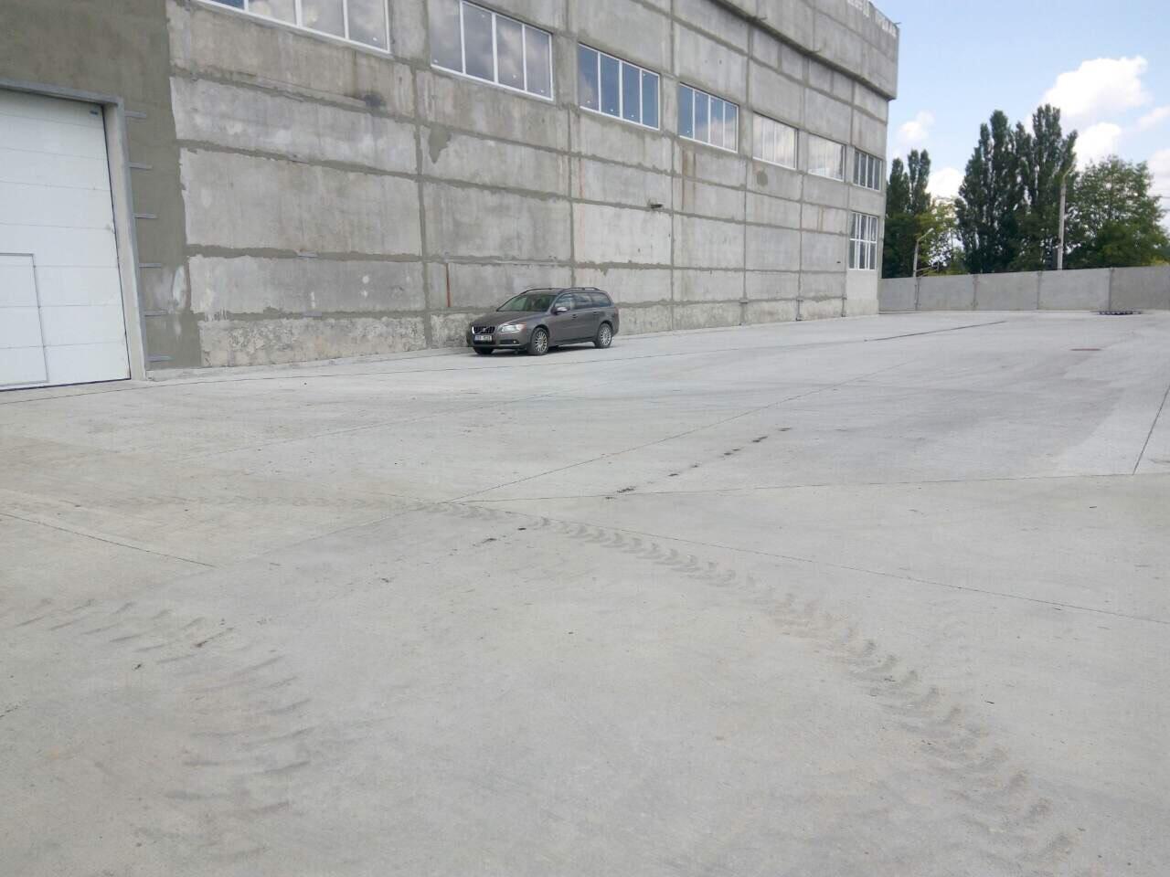 Бетонные площадки и дороги